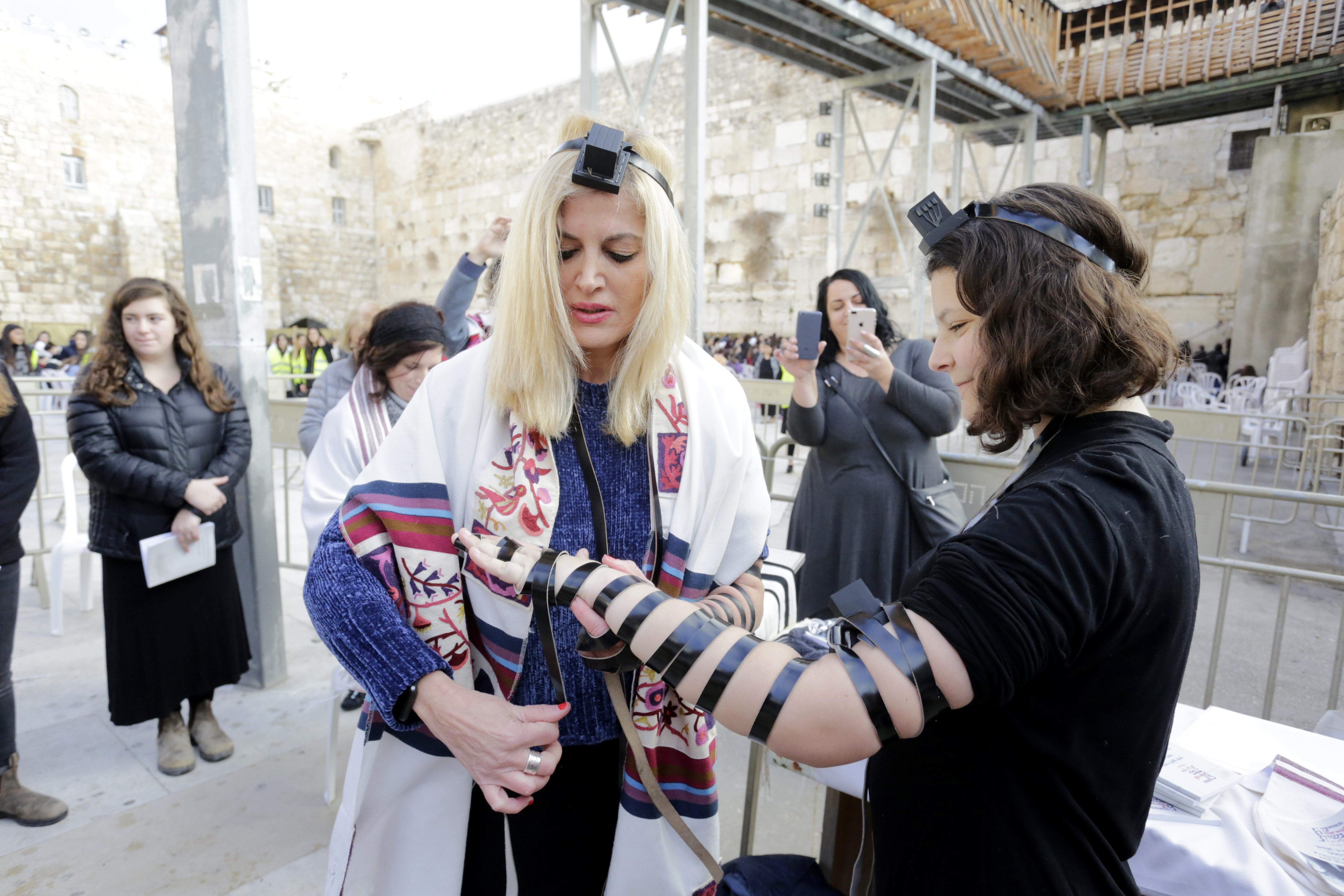 Bonnie praying at the Kotel